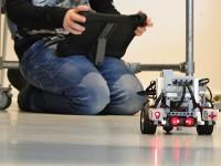 Bekijk details van Vrijwilligers en stagiaires Robotwerkplaats